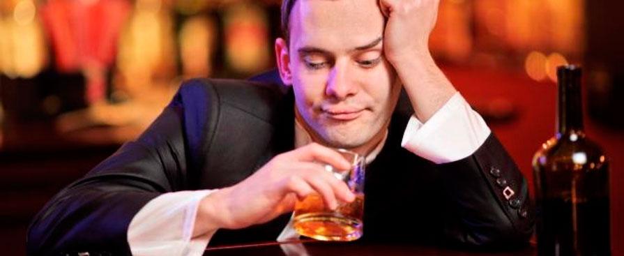 Фото: если вы постоянно потеете при употреблении алкогольных напитков, то это неблагоприятный симптом