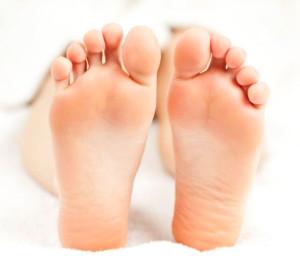Фото: как избавиться от неприятного запаха и потливости ног раз и навсегда?