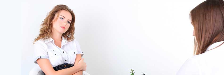 Фото: какое лечение назначает врач от потливости при климаксе