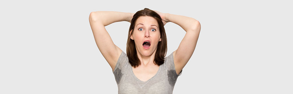 Фото: мокрые подмышки могут доставить очень много проблем, особенно сильно на это реагируют женщины
