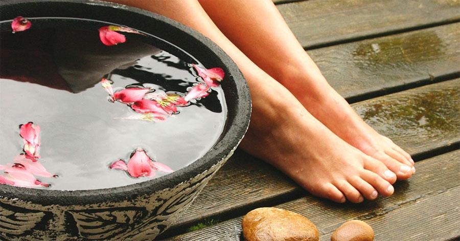 Фото: правильное приготовление ванночки для ног с фурацилином